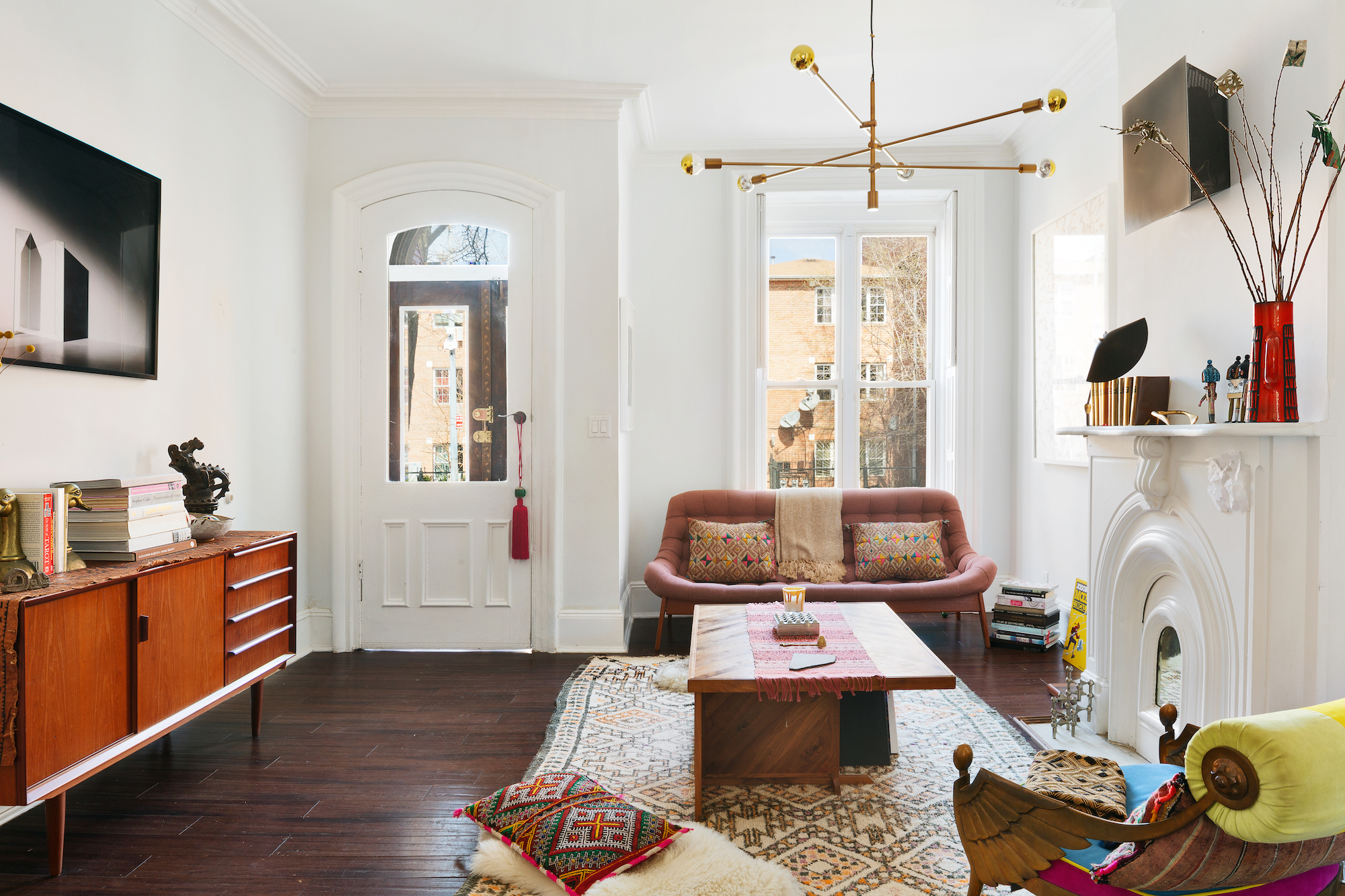 Try Out Townhouse Living With This $8.5K/month Clinton Hill ...