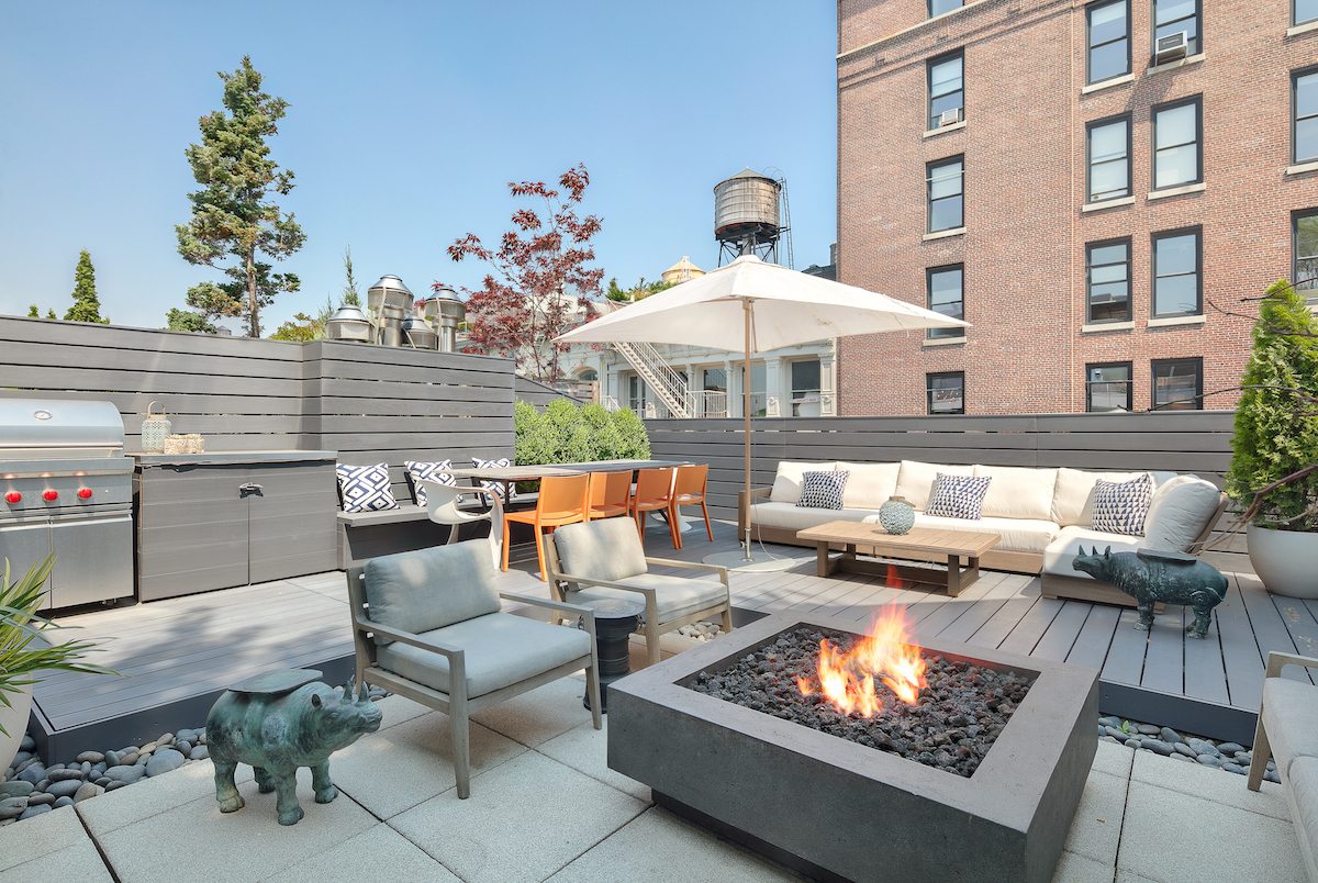 6 8m Soho Penthouse Is A Modern Glass Oasis With A Roof Deck And