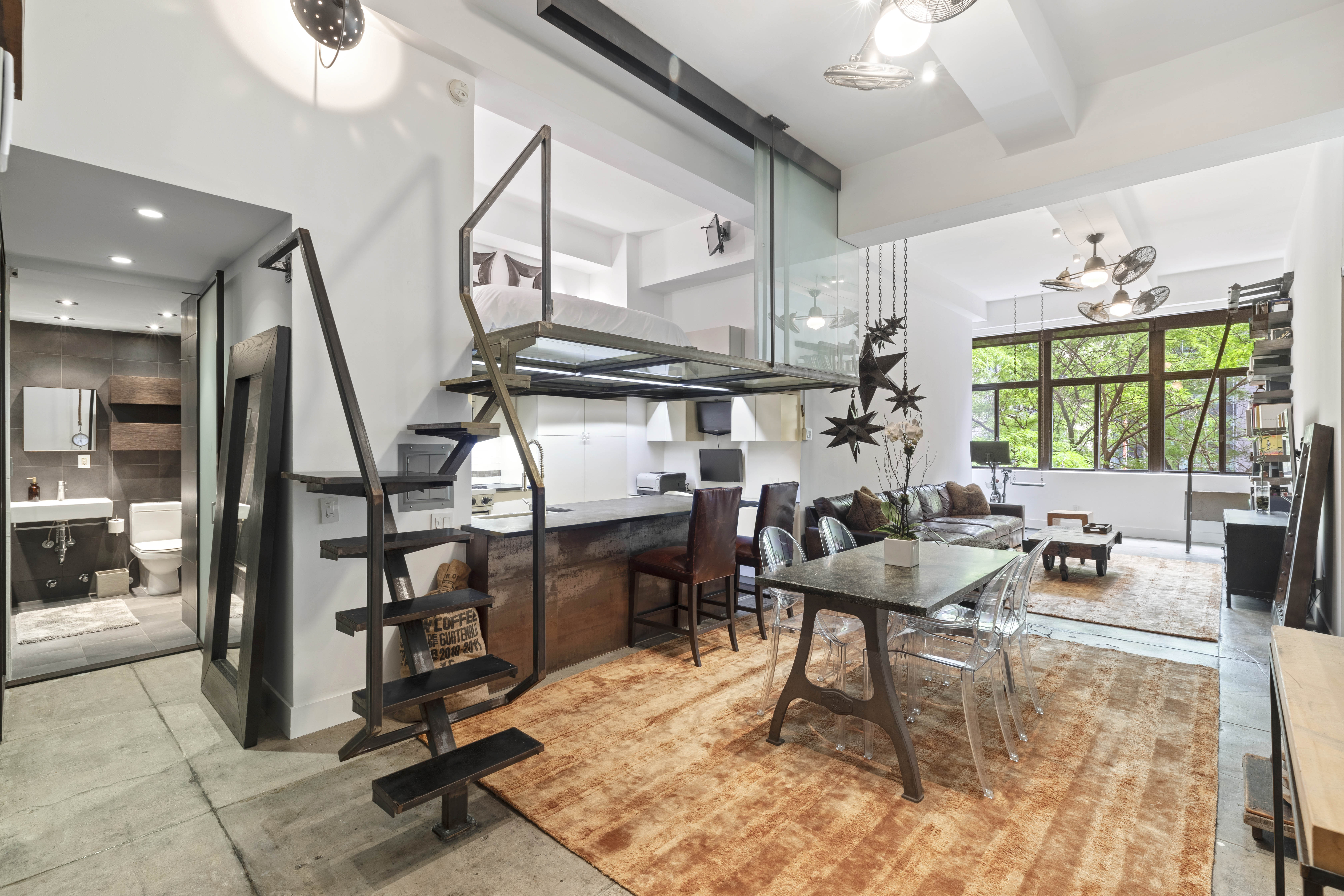 825k Turtle Bay Pad Has A Floating Staircase And Glass