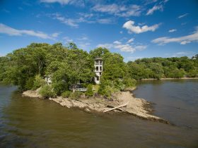 rabbit island, cool listings, upstate, new hamburg, dutchess county, private island