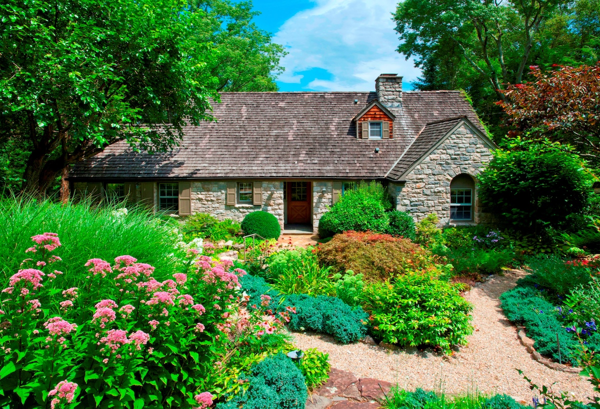 For 1 2m This Stone Cotswold Cottage In Greenwich Connecticut