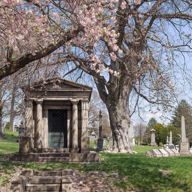 10 things you didn't know about Green-Wood Cemetery
