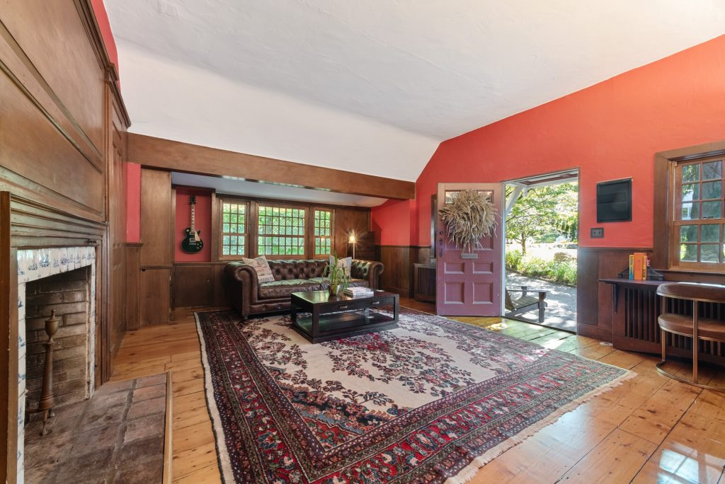 13 Heritage Hill Road, Tarrytown, Westchester