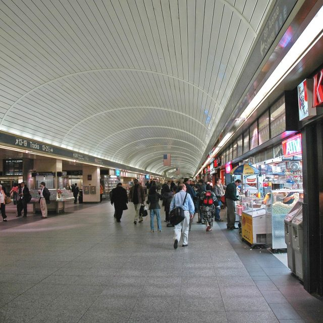 More businesses to shutter in LIRR concourse amid Penn Station renovations