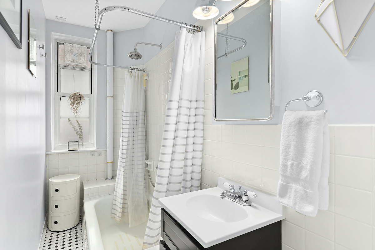 210 East 17th Street, Gramercy, cool listings, co-ops