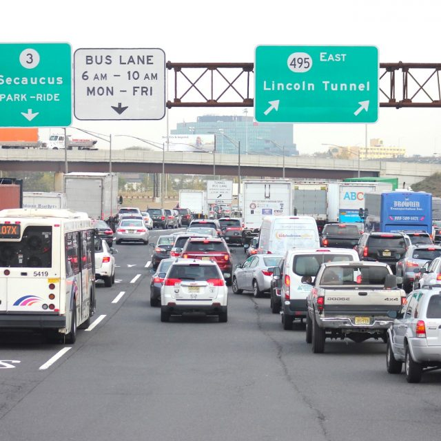 Self-driving buses proposed for busy lane in Lincoln Tunnel