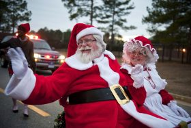 Santa Claus, Mrs. Claus, equal pay
