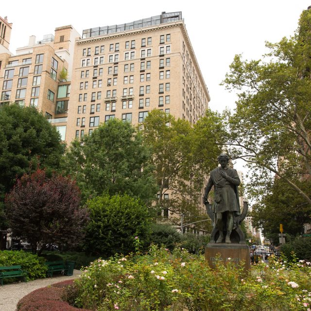 Gramercy Park will open to the public on Christmas Eve for one hour