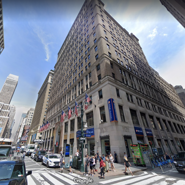 Apple signs lease for four floors at 11 Penn Plaza