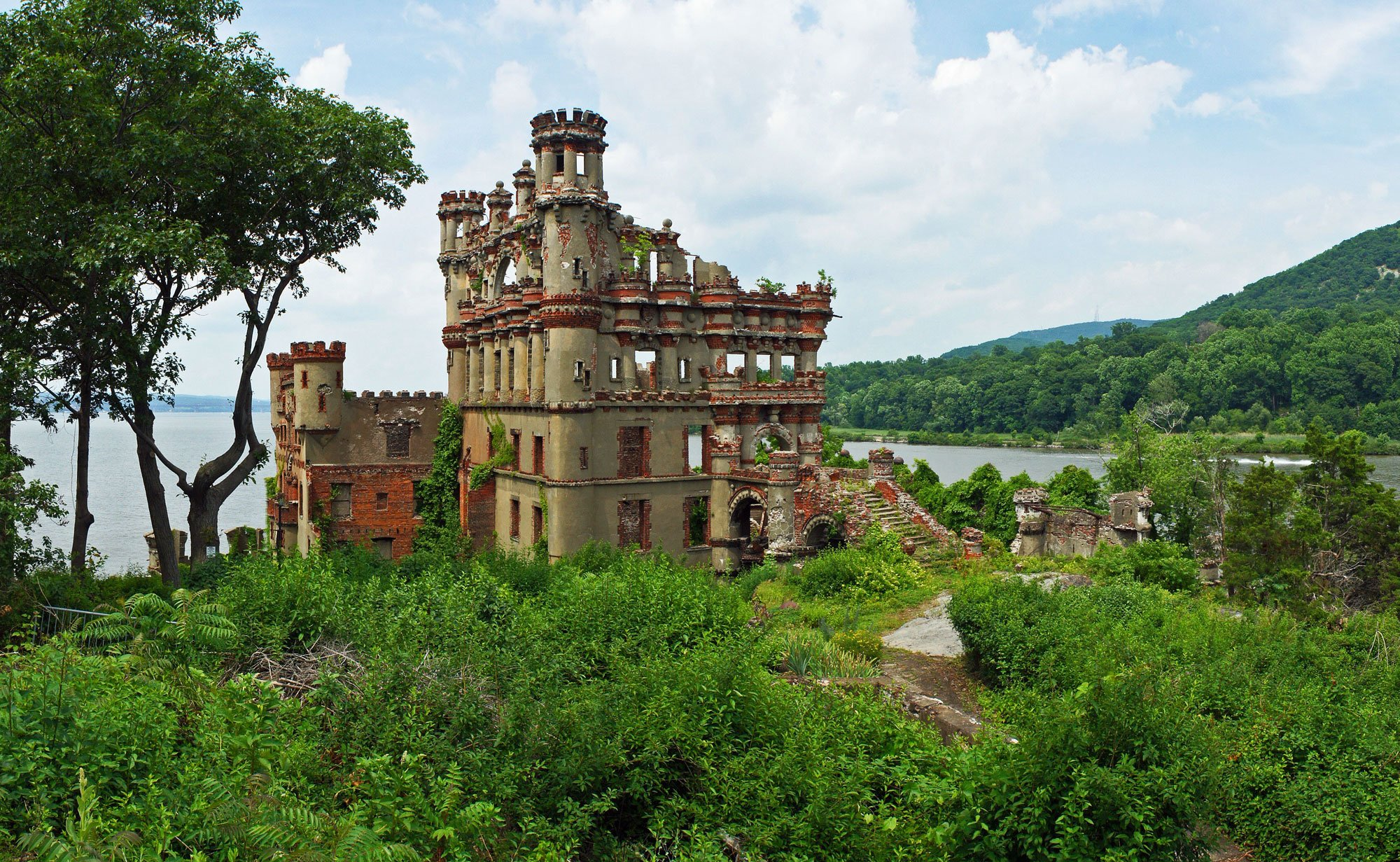 The History Of Hudson Valley S Abandoned Bannerman Castle And How To Visit 6sqft