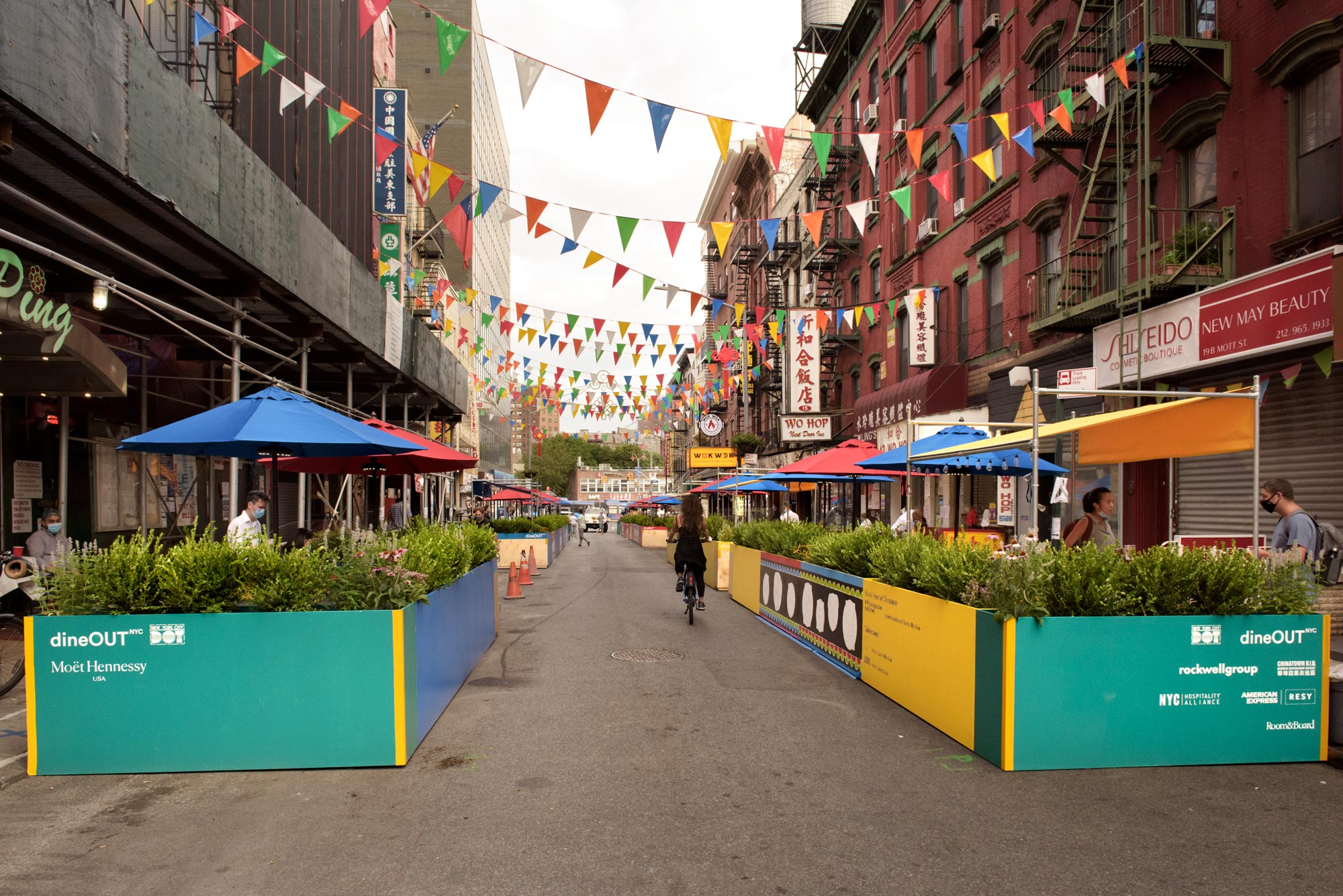 Chinatown S Historic Mott Street Is Transformed Into An Outdoor Dining Oasis 6sqft
