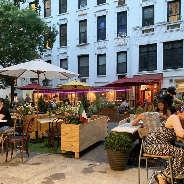 De Blasio says outdoor dining will return to NYC next summer