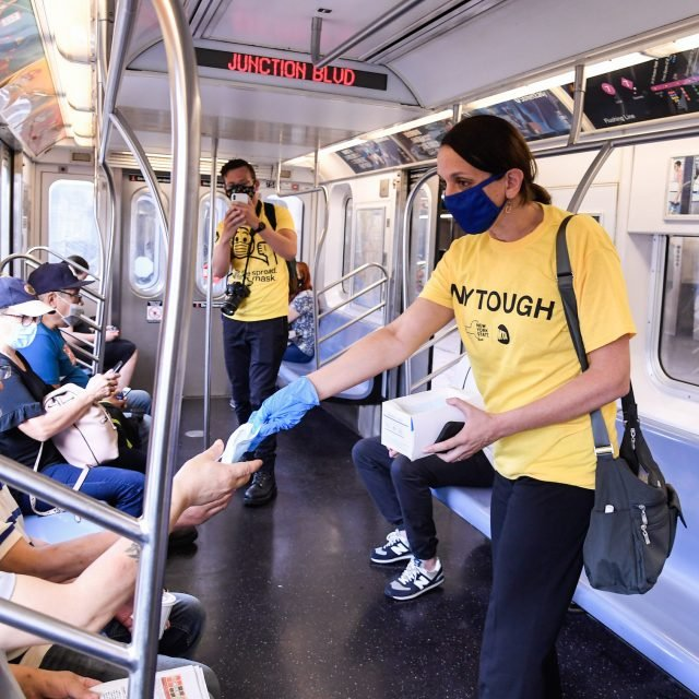 MTA wants Apple to make it easier for users to unlock iPhones with masks on