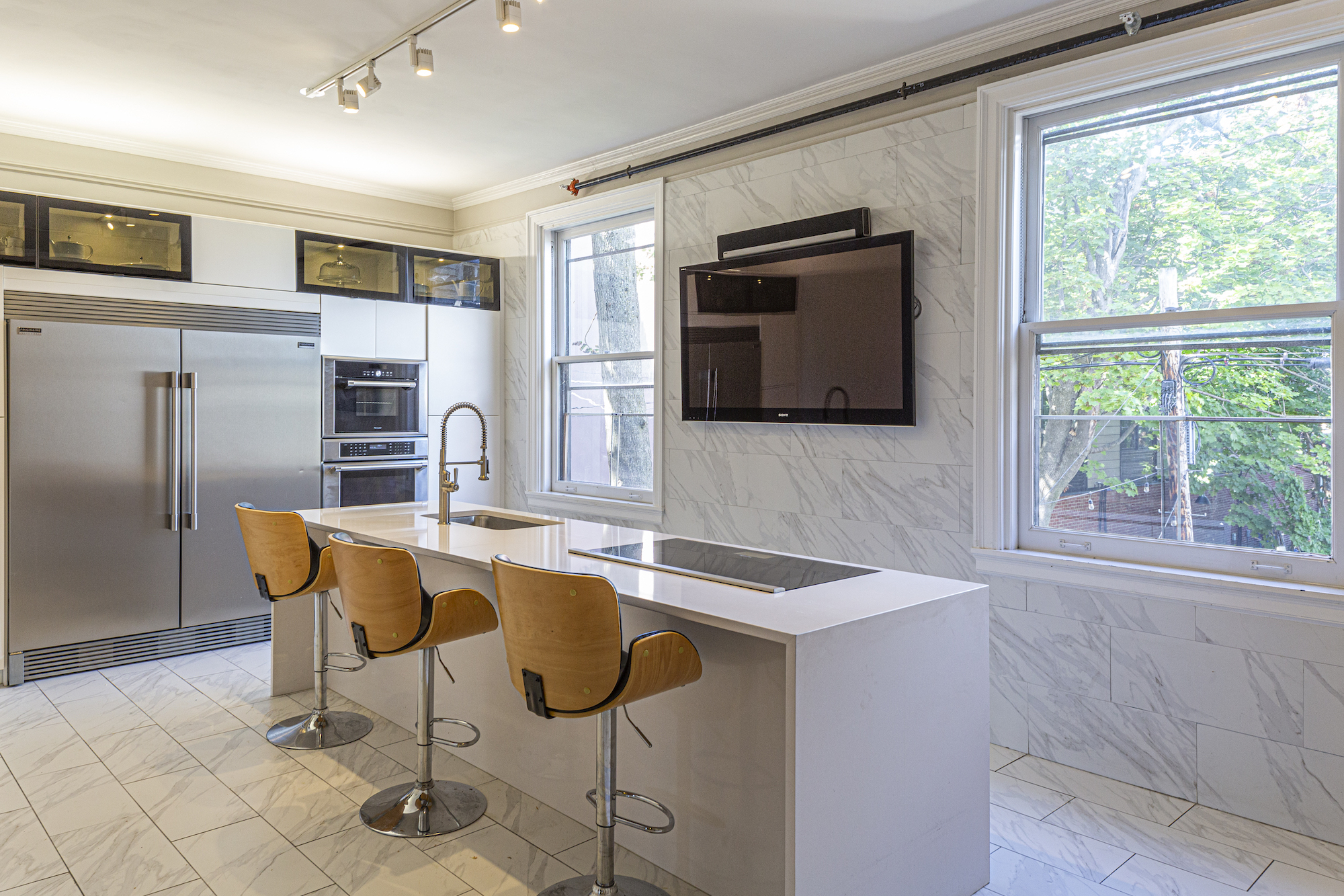 In Westchester A Historic Bank Building Is Now A 1 9m Contemporary Home 6sqft