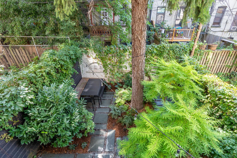 The backyard at this $2.6M Park Slope condo has designer ...