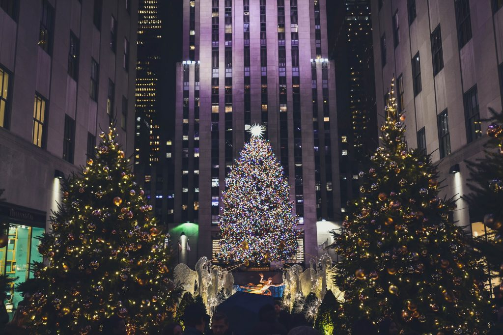You'll need timed tickets to see the Rockefeller Center Christmas Tree this year | 6sqft