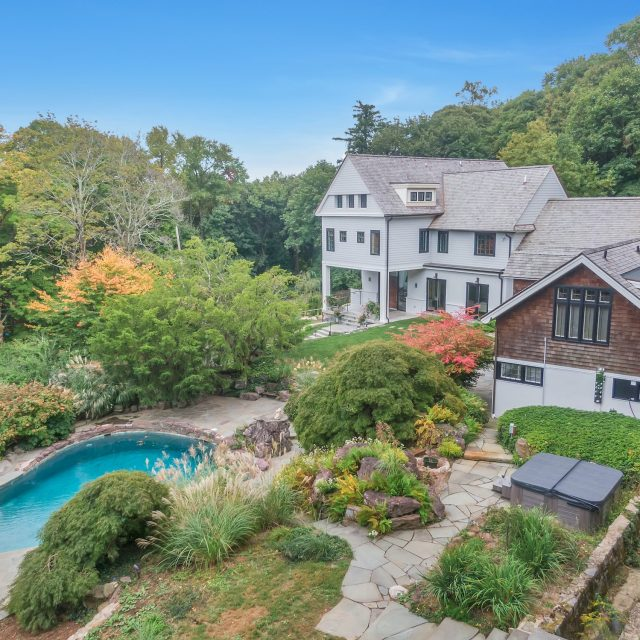 Asking $4M, this historic carriage house in Snedens Landing was once home to Mike Wallace