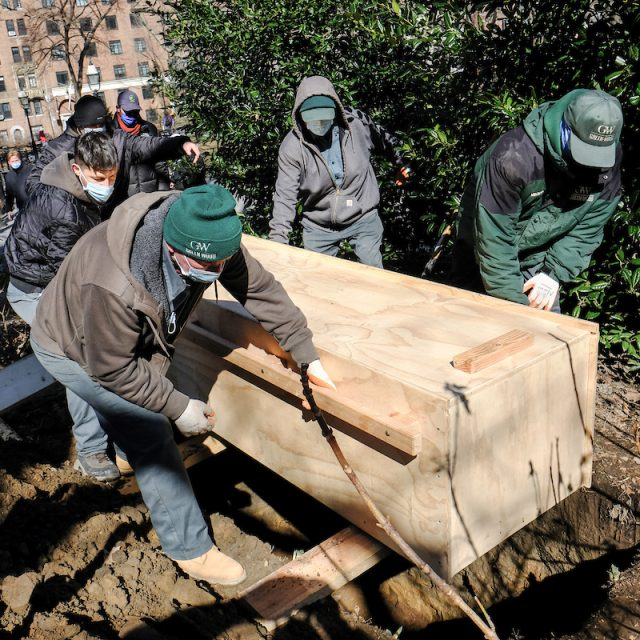 NYC reburies remains of early New Yorkers in Washington Square Park
