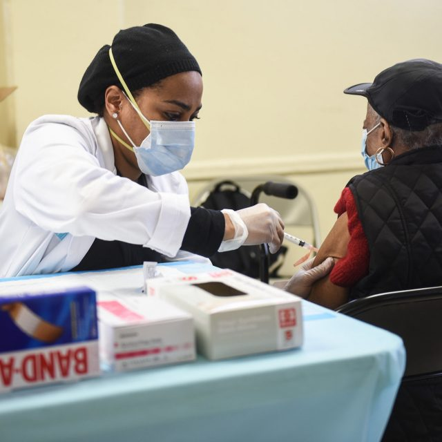 NYC begins door-to-door COVID-19 vaccinations for homebound seniors
