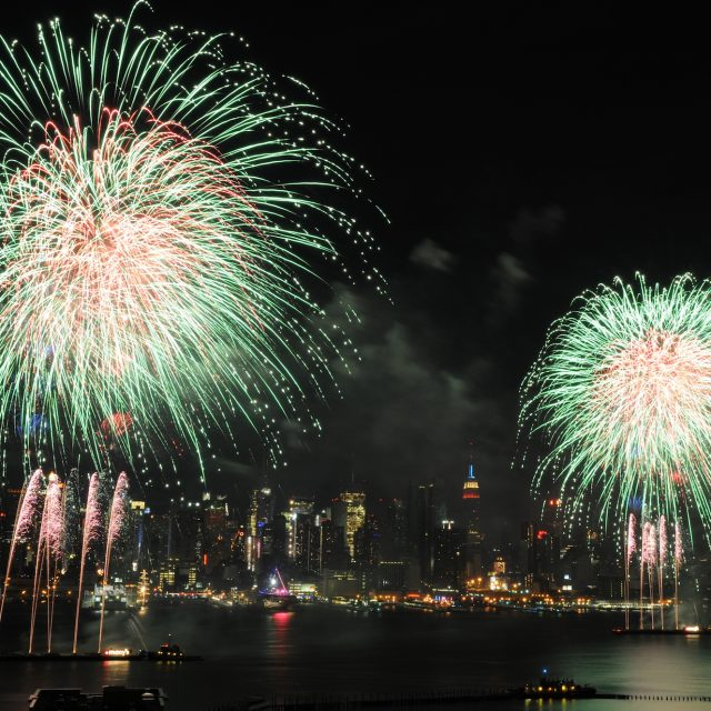 Macy's 4th of July fireworks show returns to the East River