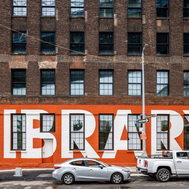 Brooklyn Public Library opens new branch under the Manhattan Bridge in Dumbo